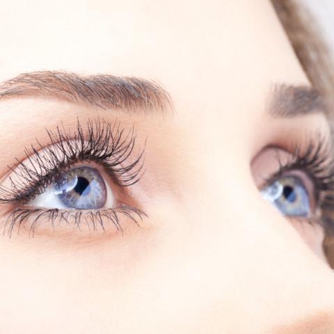 Do que retirar um tumor ou hypostasis de um olho
